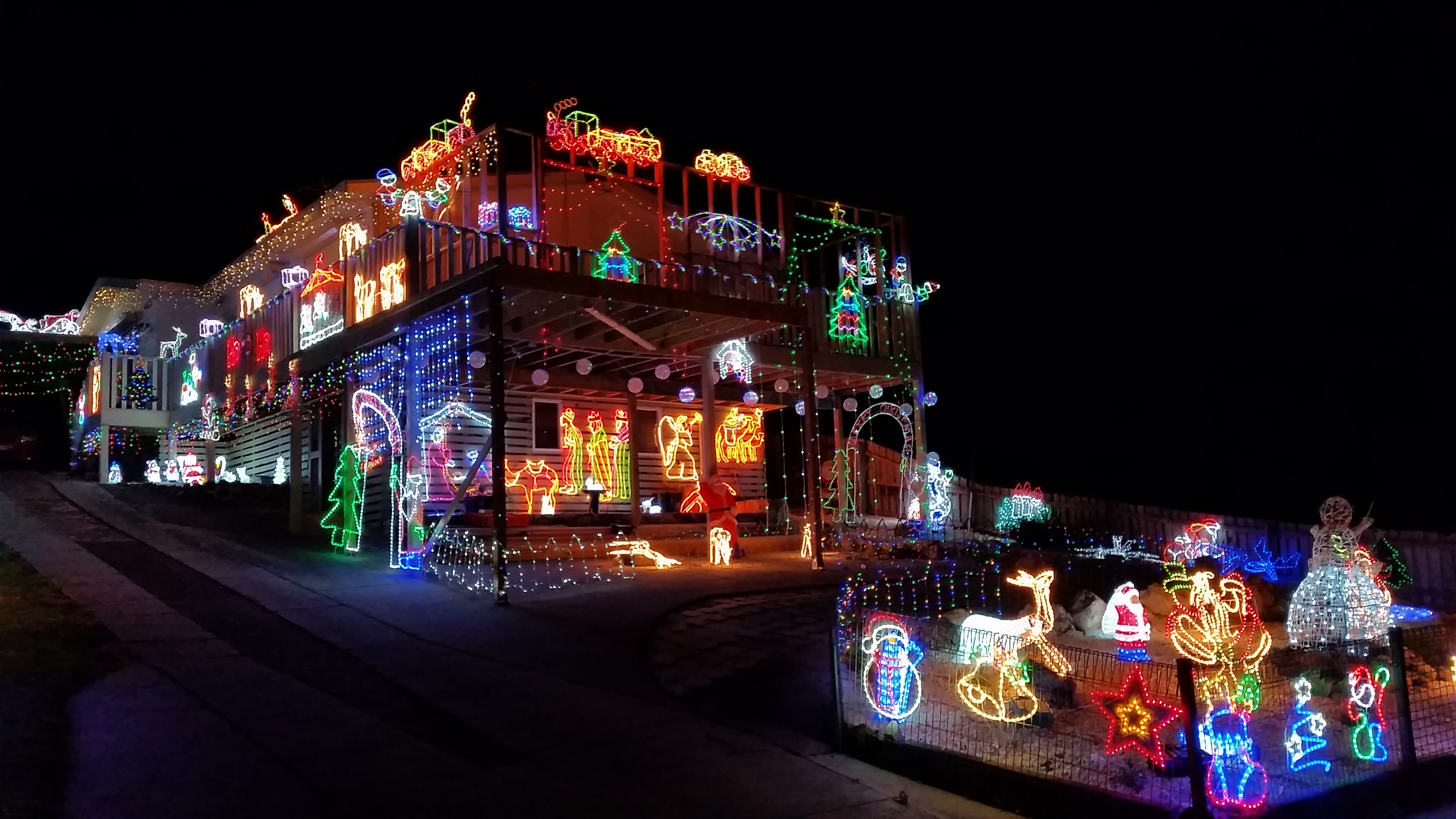Christmas Light Tour By Shuttle Car In Pigeon Forge Tennessee